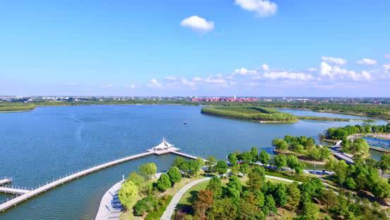 龙游湖上午风景区