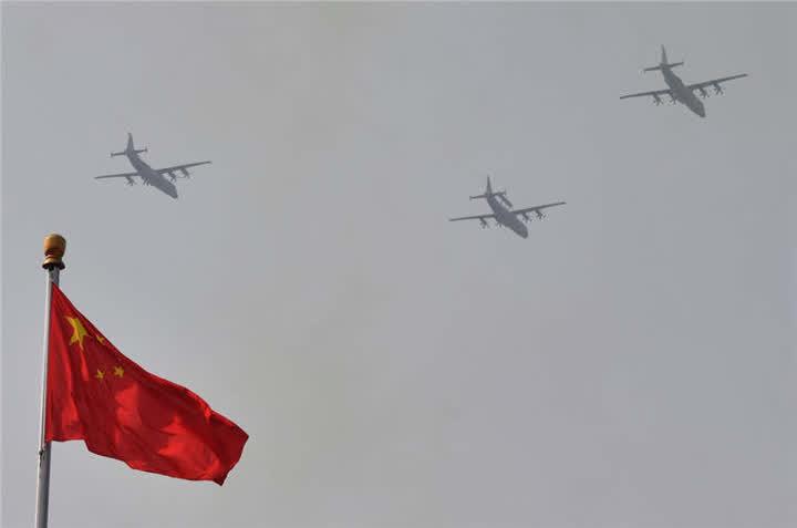 海上巡逻机梯队。新华社记者王松摄