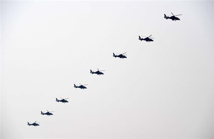 陆航突击梯队。新华社记者陆波岸摄